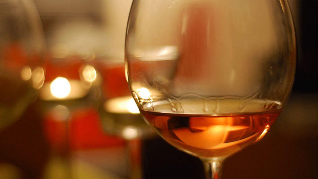 orangewine-bicchiere